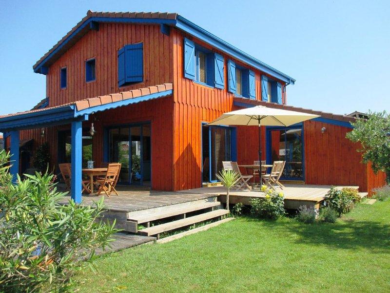 Maison typique en bois avec jardin, location de vacances à La Teste-de-Buch