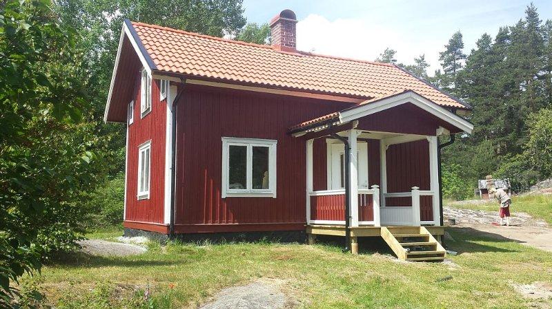 Sommarhus i Åmmeberg vid Vättern med härlig naturmiljö för paddling och vandring, Ferienwohnung in Örebro län