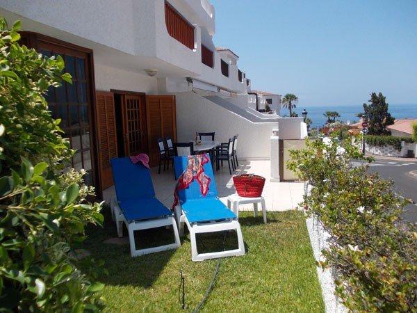 Downstairs 2 bedroom/2 bathroom apartment in Crab Island Los Gigantes, aluguéis de temporada em Los Gigantes
