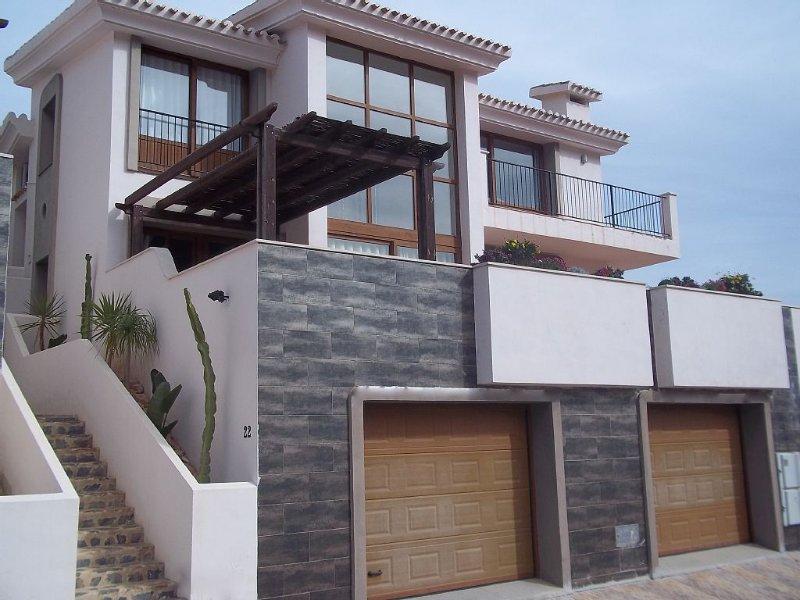 Spacious Luxury Villa with Private Pool, alquiler vacacional en Municipio de Cartagena