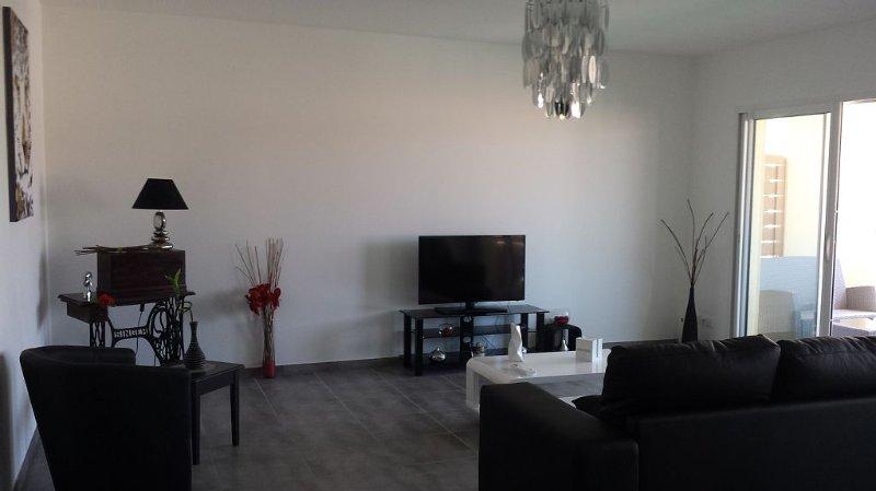 Appartement récent spacieux et lumineux avec garage privatif proche mer/montagne, location de vacances à Haute-Corse