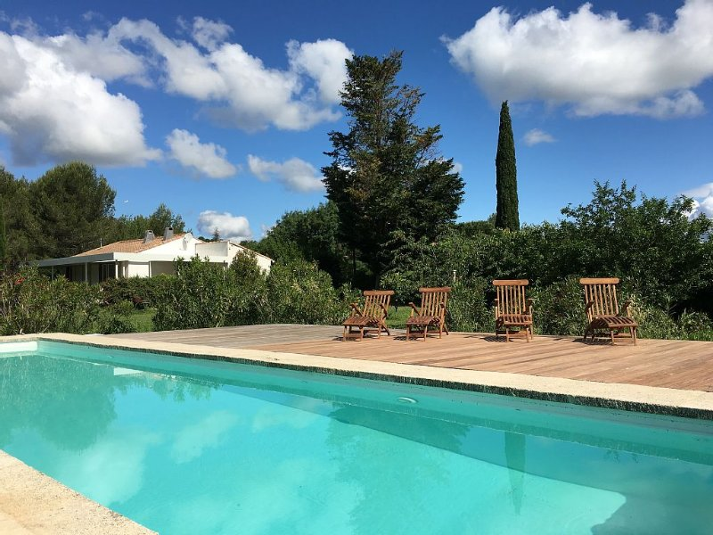 Contemporary Villa with Private Pool and Large Garden, holiday rental in Congenies