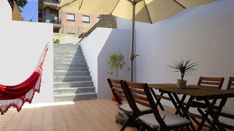 Apartamento novo com pátio junto ao centro histórico, casa vacanza a Sao Mamede de Infesta