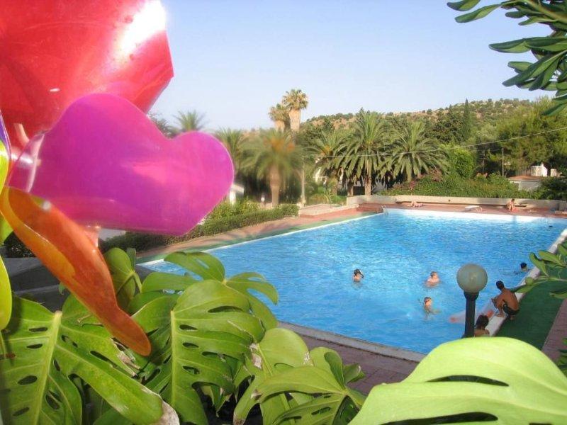 Casa GAIA - mare, piscina, terrazza, vista, sole, spiaggia,palme, holiday rental in Villasmundo