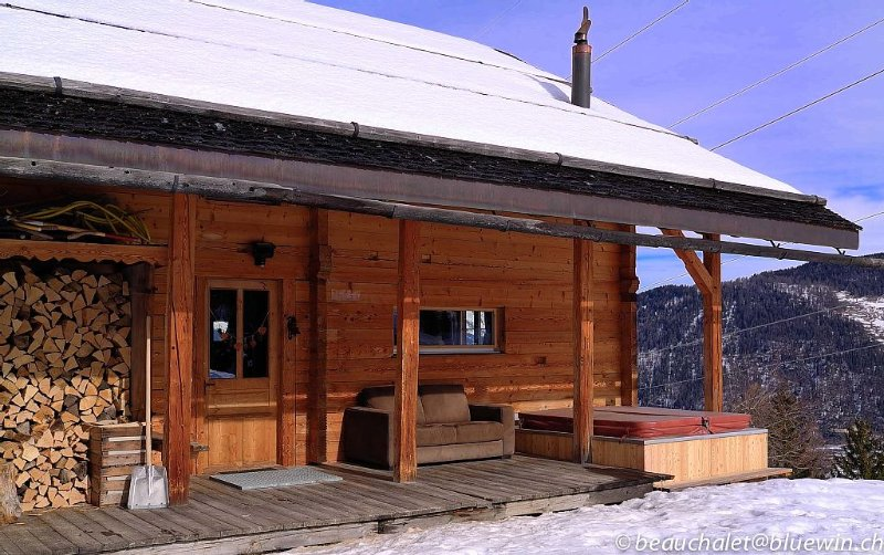 La Tzoumaz, 'BeauChalet'. Large 8-person chalet, Ski In, ski out, vacation rental in Canton of Valais
