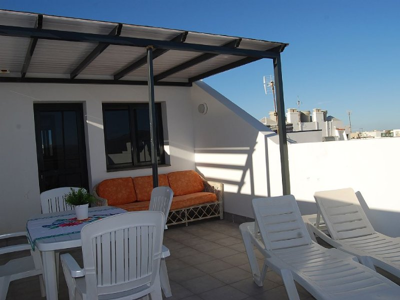Large Private Sunny Terrace, South Oriented, Mountain And Sea Views.., holiday rental in El Cotillo