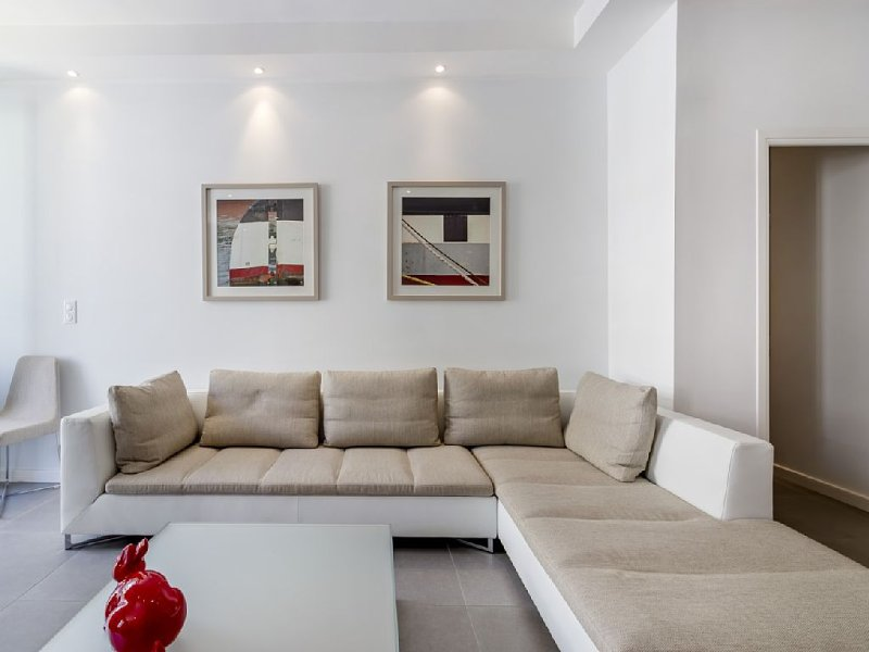 Zitkamer met design sofa