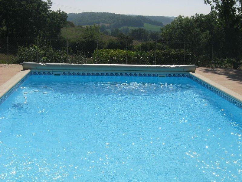 Maison de caractère restaurée calme et reposant avec piscine, vacation rental in Lot-et-Garonne