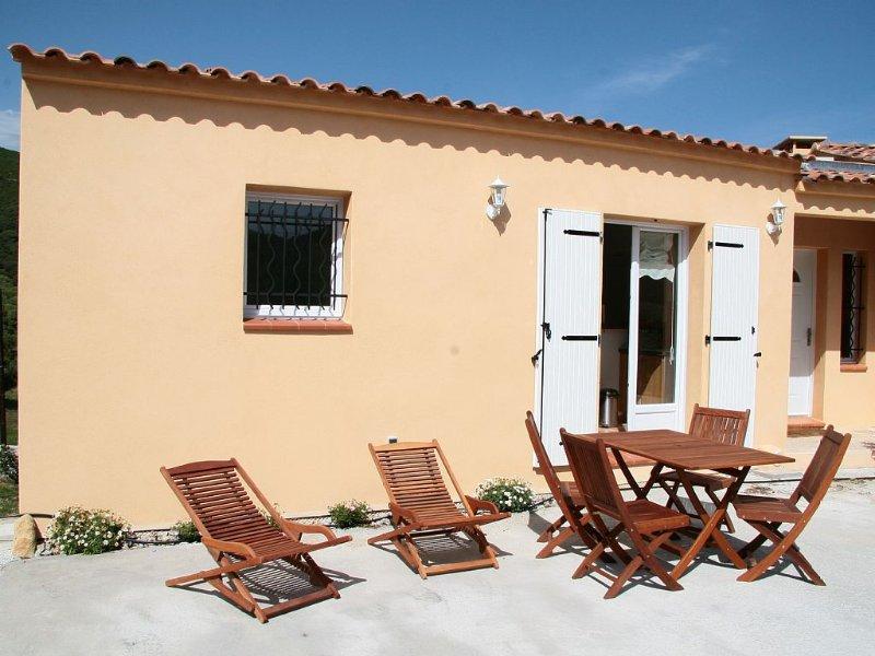 Sartene Orasi : appartement dans villa très confortable, climatisation, WiFi, holiday rental in Tizzano