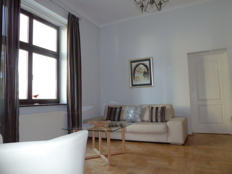 Luxury apartment in the centre of Krakow with 2 bathrooms and 2 bedrooms Wi-Fi, Ferienwohnung in Krakau