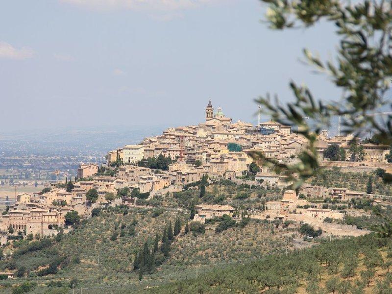 nearby Trevi
