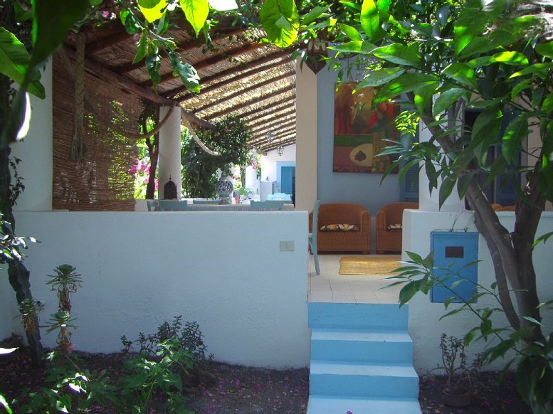 Casa Celestina Tipica casa eoliana, Ferienwohnung in Liparische Inseln