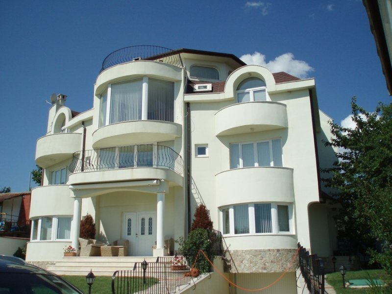 Varna Holiday Home