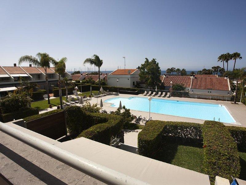 2´ WALK TO THE BEACH, SWIMMING POOL, 4 BEDROOMS, LUXURY VILLA, PRIVATE RESIDENCE, aluguéis de temporada em San Bartolome de Tirajana