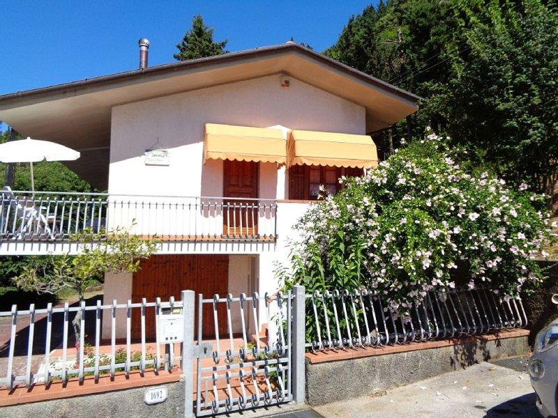Benvenuti alla casa dei glicini, dove ogni desiderio può divenire realtà!, aluguéis de temporada em Camaiore