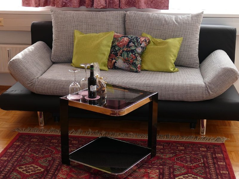 Holiday flat in down centre with underground parking, alquiler vacacional en Gundersdorf