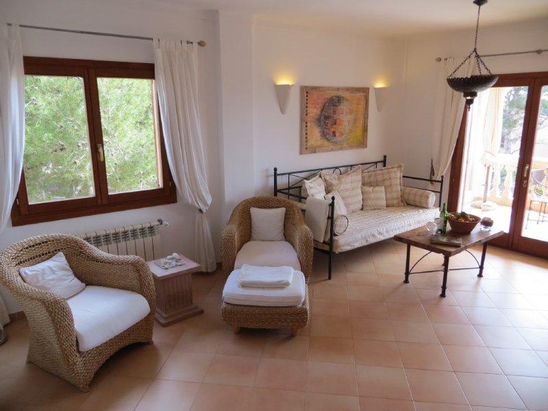 hochwertige Ausstattung, großer Pool, traumhafter Meerblick, nur 200m zum Strand, holiday rental in Cala Santanyi