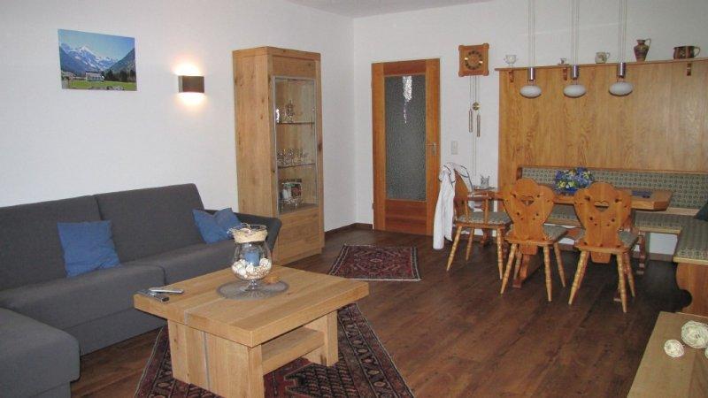 Ferienwohnung mit WLAN in erhöhter Ortslage von Obermaiselstein, holiday rental in Ofterschwang
