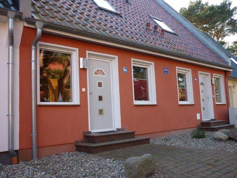 komfortabel eingerichtete Feriendoppelhaushälfte mit Kamin für 2 - 7 Personen, casa vacanza a Bresewitz