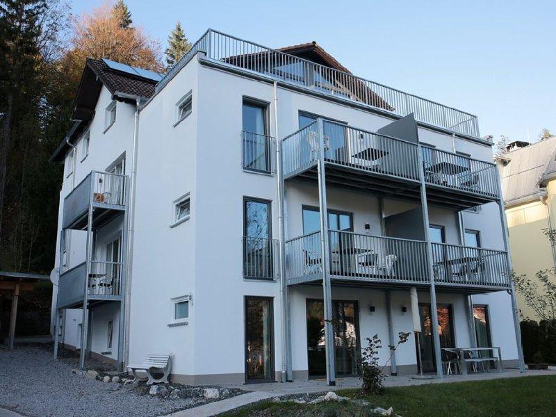 Schöne, ebenerdige Ferienwohnung**** mit 3 Schlafzimmern, holiday rental in Wangle
