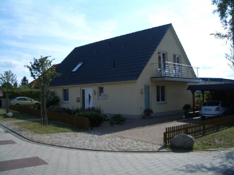 Komfortable Ferienwohnung mit 2 Schlafzimmern und Balkon, location de vacances à Koserow