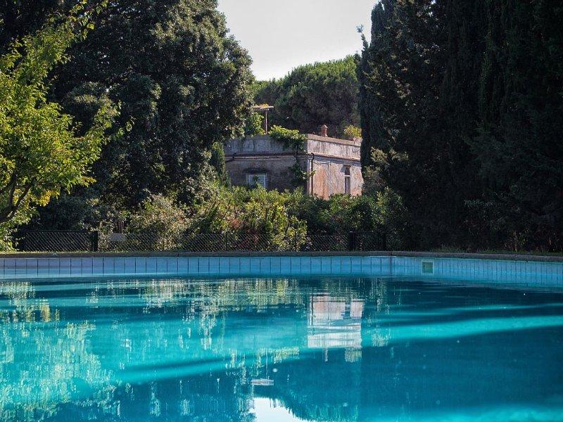 Historische Fattoria aus dem 18. Jahrhundert mit herrlichem Garten und Pool, vacation rental in Castiglioncello