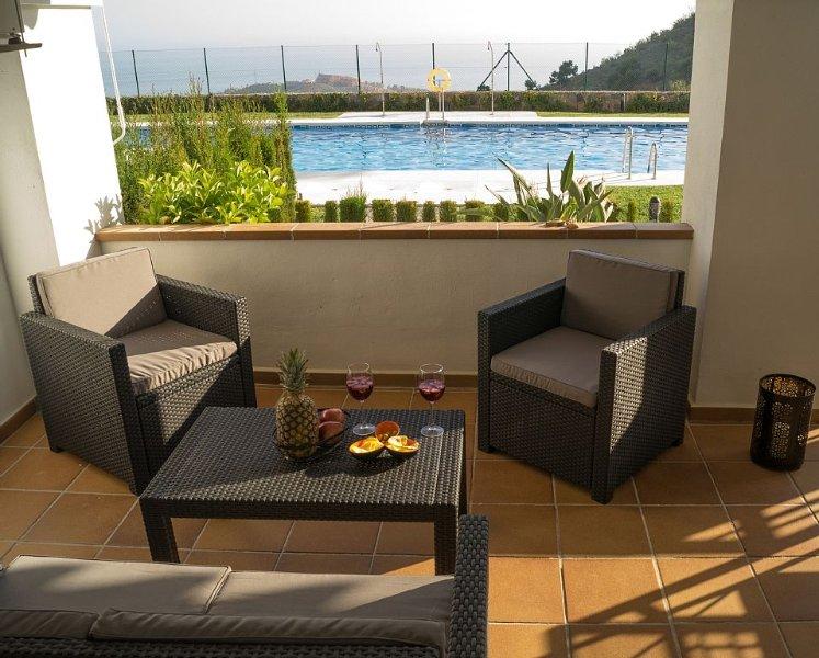 """""""Balkon zum Meer"""" Costa del Sol 120m² Wohnung mit unvergesslicher Aussicht & Poo, vakantiewoning in Rincon de la Victoria"""