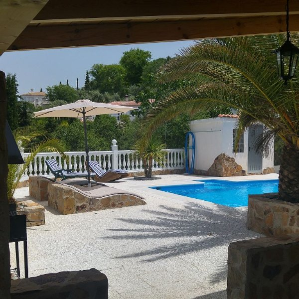 Ferienhaus Finca Privat-Pool Spanien Andalusien Schlafen max 7 Person 4xTV Wlan, holiday rental in Pinos Puente