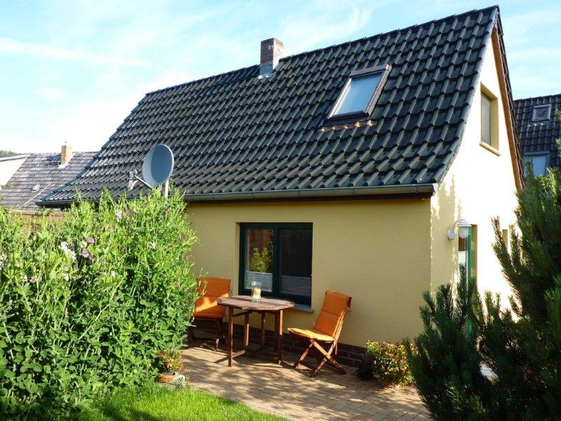 Einladendes Haus in ruhiger, zentraler Lage, nur 9 km bis zur Ostsee, holiday rental in Klockenhagen