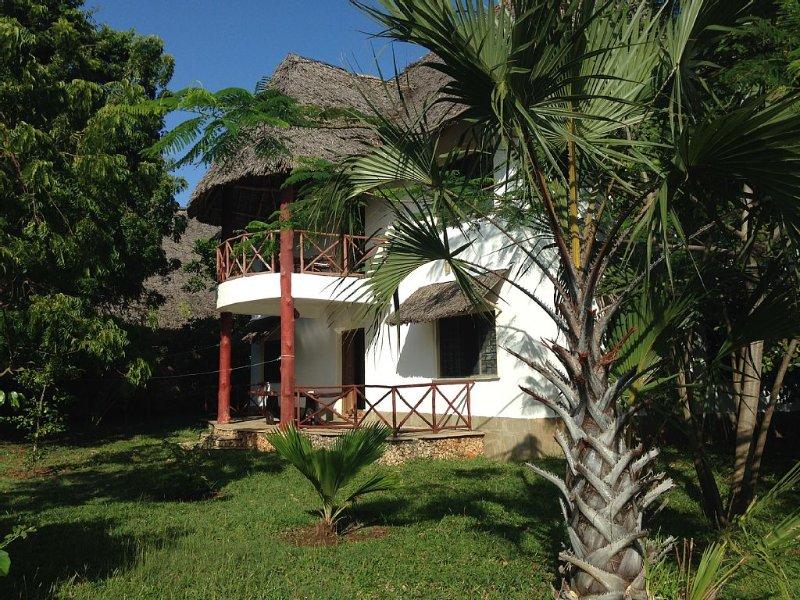 Villa mit Pool, herrlichem Meerblick, eigenem Koch und Personal, casa vacanza a Wasini Island