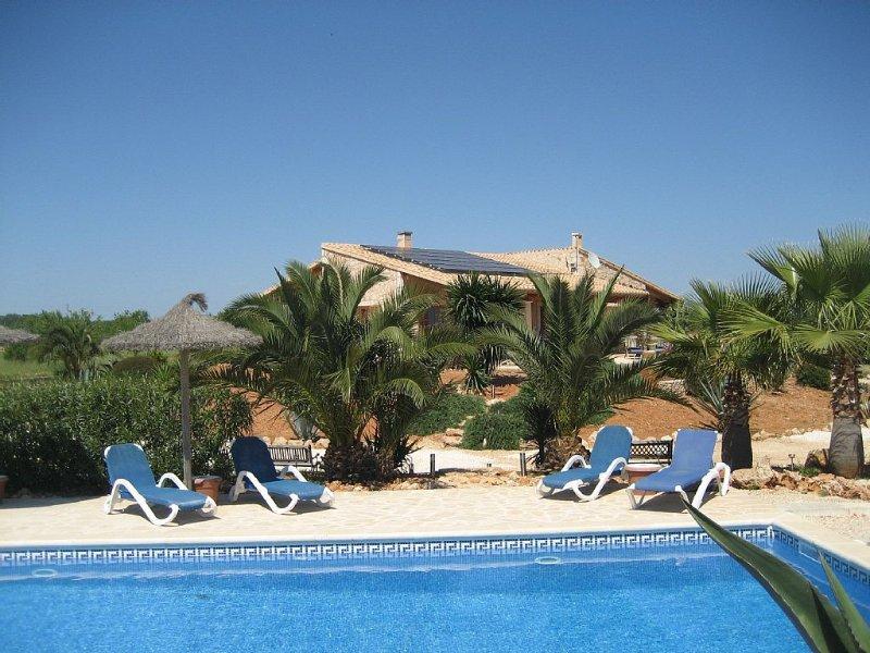Traumhafter Weitblick,idyllische ruhig,mit Pool und  gehobener Ausstattung, location de vacances à Santanyi