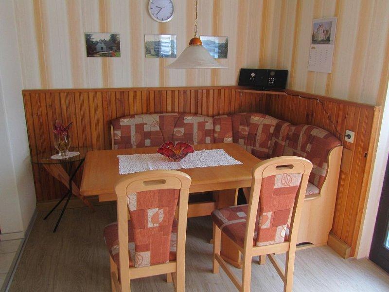Sehr gut ausgestattetes Ferienhaus in ruhiger Lage direkt am Waldrand, location de vacances à Unterwurschnitz
