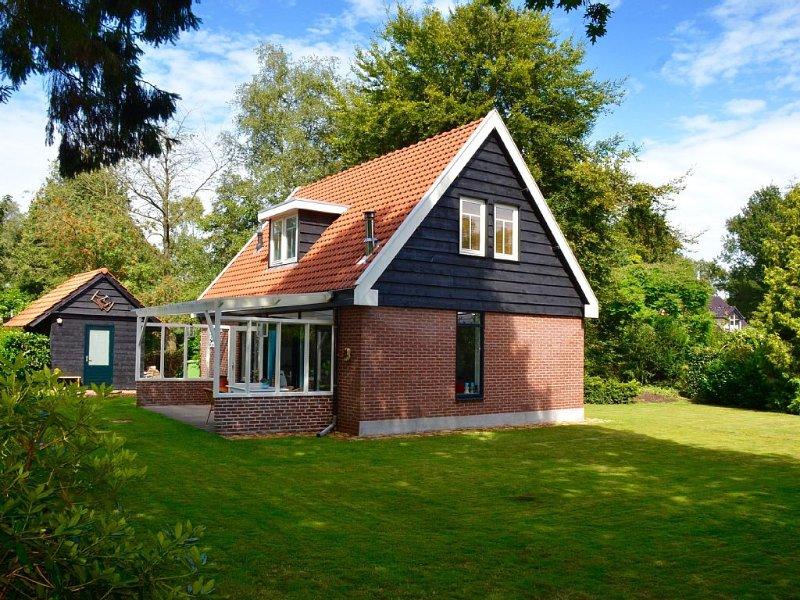 Ferienhaus mit 1000 m Garten, umringt von Wäldern und Natur, casa vacanza a Dieverbrug