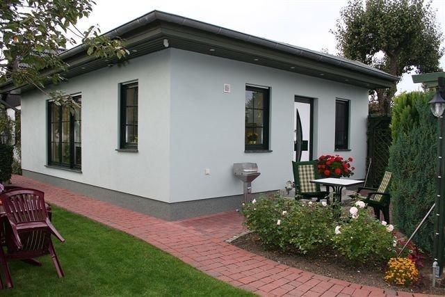 Komfortables, allergiefreundliches Ferienhaus, ruhig zentral gelegen, im Grünen, holiday rental in Klockenhagen