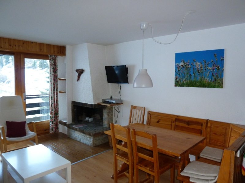 Nice apartment directly at the ski lifts, holiday rental in Siviez