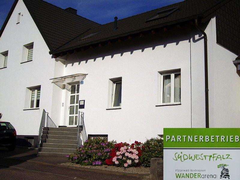 Familienunterkunft für bis zu 4 (+Baby) Personen im Pfälzer Wald, location de vacances à Kindsbach