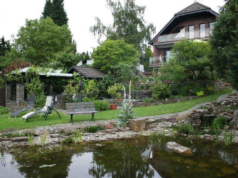 Familienfreundliche FeWo bis 4 Personen Rheinhöhe bei Bonn, holiday rental in Rech