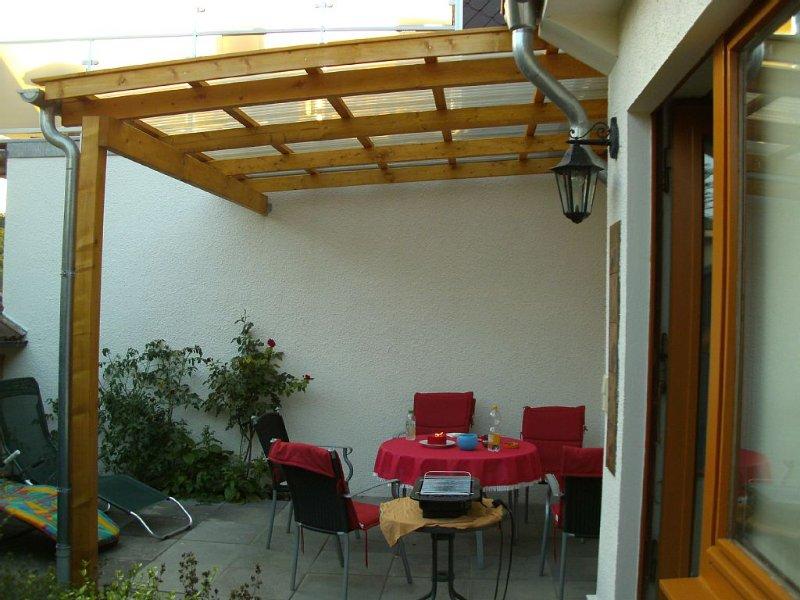 Komfortables Ferienhaus mit Wlan Anschluss, Garten, Haustiere willkommen, holiday rental in Schweiburg