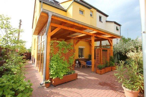 Geräumige Ferienwohnung, wenige Minuten zum Zentrum, ruhig gelegen, aluguéis de temporada em Dessau