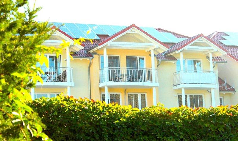 Moderne Ferienwohnung mit Balkon, zentrale ruhige Lage, Strand 400m, WLAN, holiday rental in Usedom Island