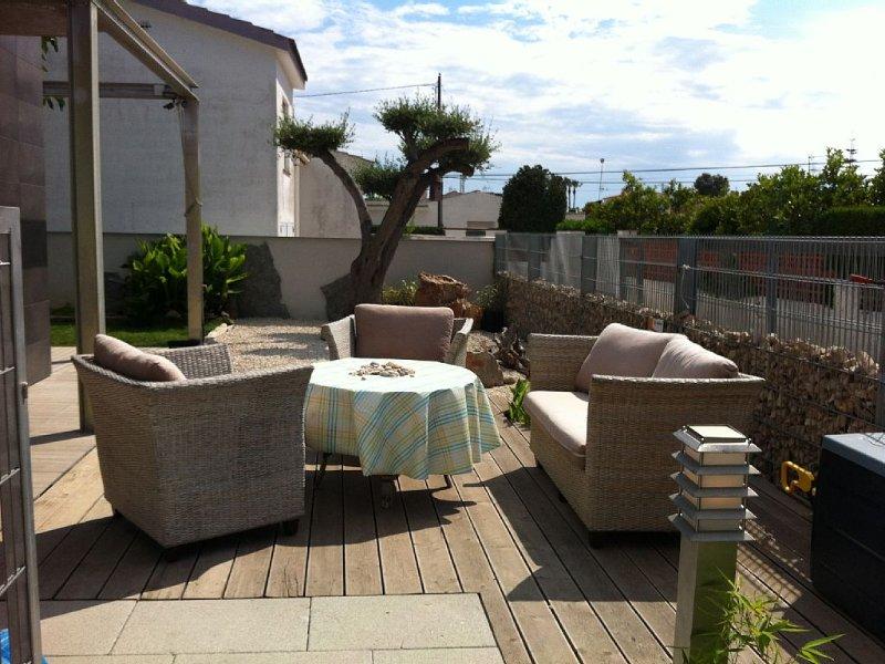 Viel Platz zum Urlaub machen mit Schwimmbad, holiday rental in Vinaros
