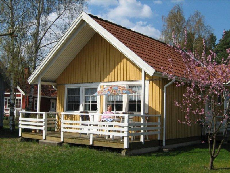 Mecklenburgische Seenplatte! Familienfreundliches, gemütliches Ferienhaus mit WL, holiday rental in Hohenzieritz