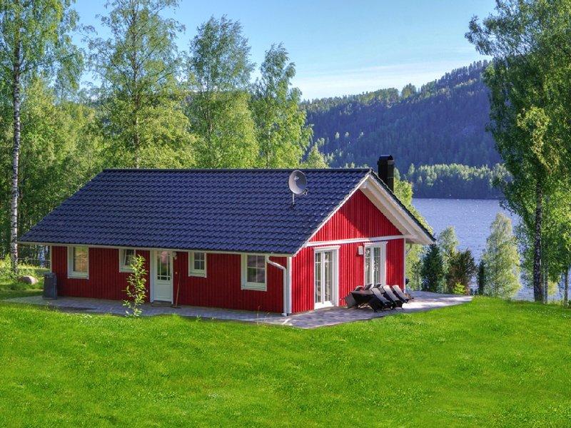 exklusives Schwedenhaus in Top-Lage am Rottnansee mit eigener Uferlinie, aluguéis de temporada em Sunne