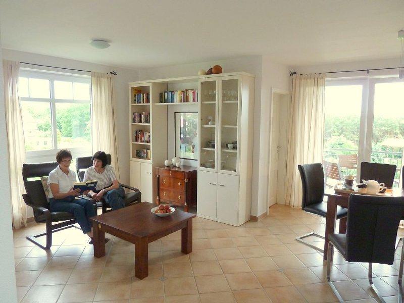 3-Zimmer-Fewo, 61qm, Schwimmbad u. Sauna ca. 8 Minuten zum Strand, WLAN, casa vacanza a Zinnowitz