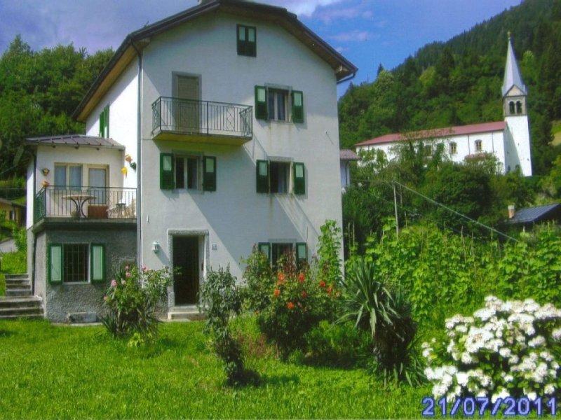 Gemütliches und sehr schön gelegenes Haus Sommer- und Winterurlaub (Skifahrer), location de vacances à Ravascletto