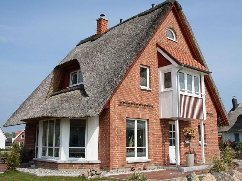 Ferienhaus ' Strandhaus ' mit Meerblick, Sauna,. Strandkorb, Kostenloses WLAN, holiday rental in Dassow