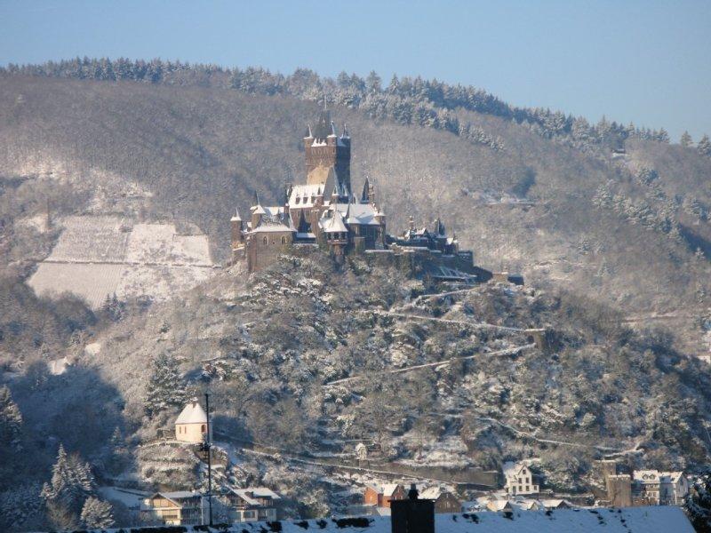 Burg Cochem im winterlichen Gewand