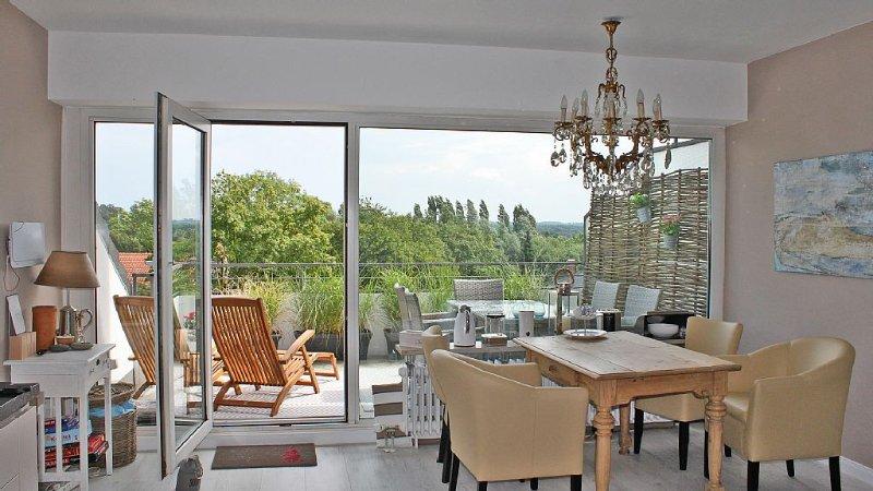 Weitblick über Timmendorf in einer modernen, gemütlichen Wohnung, Ferienwohnung in Timmendorfer Strand