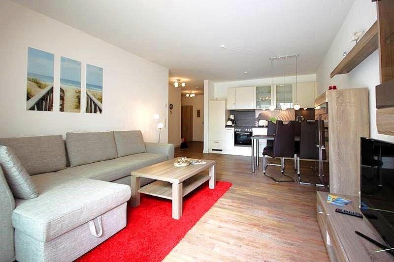 Sonnige 2-Zimmer-Wohnung mit eigener Sauna und WLAN, direkt am Strand, holiday rental in Borgerende-Rethwisch