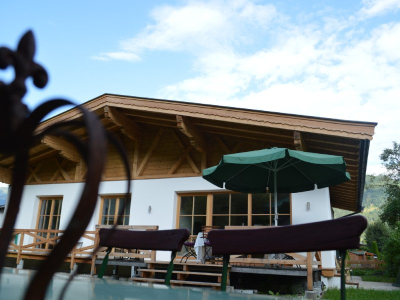 Familienfreundliches modernes Landhaus, holiday rental in Zell am See